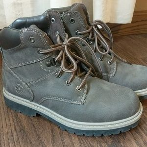 Stone Canyon brown boots